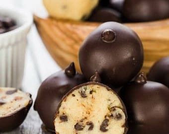 Cookie Dough Truffle/Edible Cookie Dough/Truffles/Cake Truffles/Wedding Truffles/Party Favors/Candy/Fudge/Cookies/Cake/Chocolate/Gifts