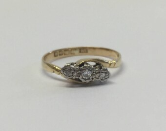 18ct Yellow Gold 3 Stone Illusion Set Trilogy Diamond Ring