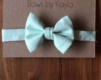 Light mint bow tie