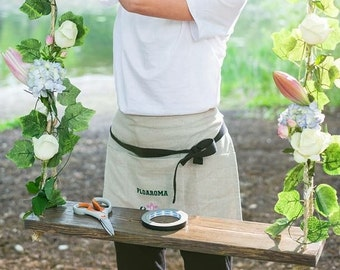Linen half apron - Florist apron - Handmade Apron - Natural linen - Custom embroidery - Barista apron - Vendor apron