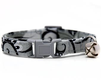 Silver swirl  Kitty Collar with grey breakaway buckle