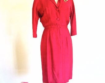 M 50s 60s Red Silk Day Office Wiggle Dress by Fred Rothschild Shantung 3/4 Dolman Sleeves Shirt Front Medium