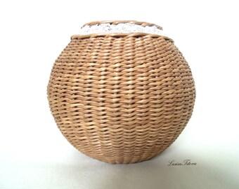 Vase,Wicker basket,Wicker,Wintage Wicker,Decorative Vase,Wicker decor,SmallVase,BrownVase,WickerHomeDecor,vintage basket,flover vase vintage