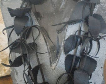 Long necklace of recycled bicycle inner - Made in Morocco