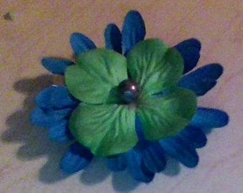 small blue and green bow