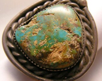 Vintage Native American Ring Sterling and Turquoise size 9.75 weight: 10.3g Natural Stone ET4167