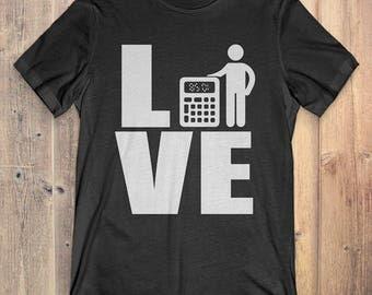 Accountant T-Shirt Gift: Love Accountant