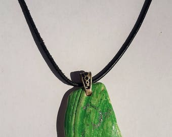 Green And Silver Sparkles Shell Necklace