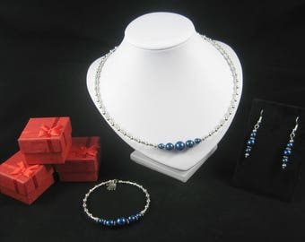 Choker necklace, bracelet and earring set