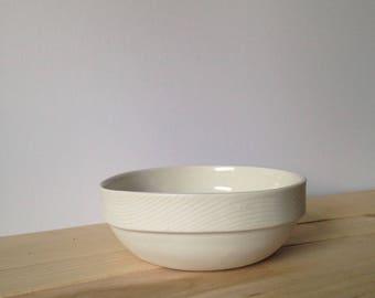 Handmade porcelain wood grain bowl white