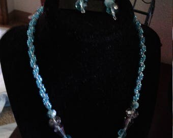 Beautiful crystal and seed bead necklace and earrings