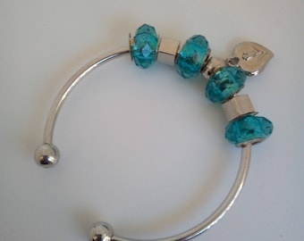 Bangle silver metal with beads and heart charms
