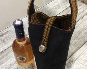 Bottle gift bag holder
