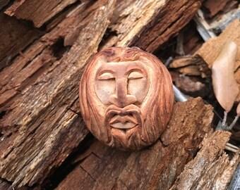 MYRDDIN. Avocado stone pendant