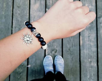 Black/White Sun Stretchy Bracelet
