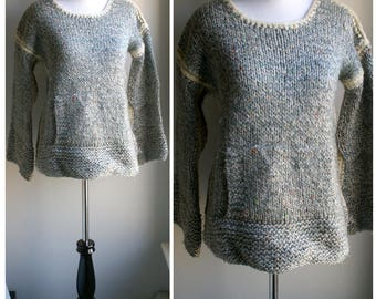 Vintage 1970s cozy chunky wool woven sweater with front pocket