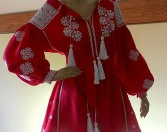 Ukrainian Vyshyvanka Dress Boho Style. Linen Dress with Ukrainain embroidery patterns. VYSHYVANKA. Free Shipping.
