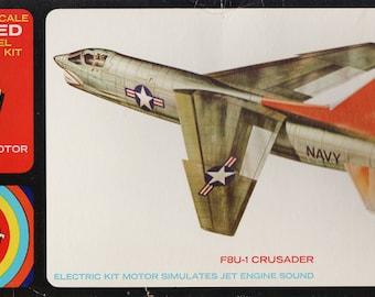 1/48 scale 1969 vintage Lindberg F8U1 Crusader with motorized jet sound, plastic model kit