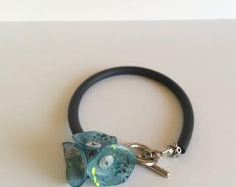 Bracelet blue poppy mounted on silicone - adjustable length bracelet.