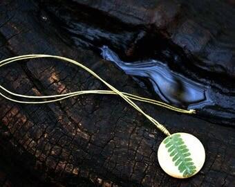 Leaf natural pendant