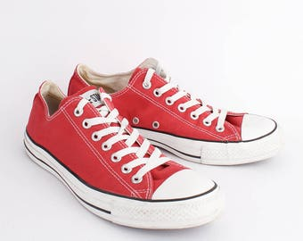 EU 42 - Red Converse All Star canvas shoes - low top Chuckies size uk 8.5 / US men 8.5 + womens 10.5 - chuck taylor allstars red sneakers