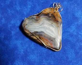 Heart shaped Agate Pendant wrapped in 12Ct Gold