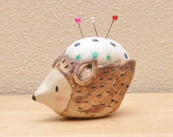 Hedgehog Pincushion -dots