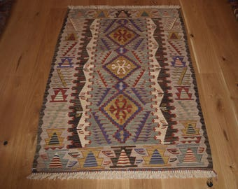 Beautiful Handmade Turkish Kilim, 168 x 113cm, Made With Hand Spun Wool & Natural Dyes