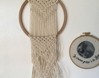 Large macramé on embroidery hoop