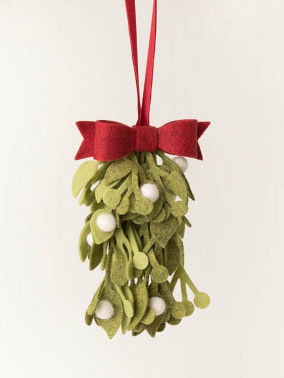 Felt Mistletoe Photo Courtesy of TheWindingVine