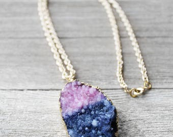 Druzy Stone Necklace, Druzy Pendant, Druzy Necklace, Gold Tone Electroplated Chain, Moon Walker Druzy Stone Pendant Necklace