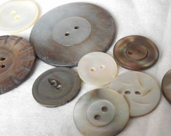 Lot of 9 VINTAGE Iridescent Shell BUTTONS  A1
