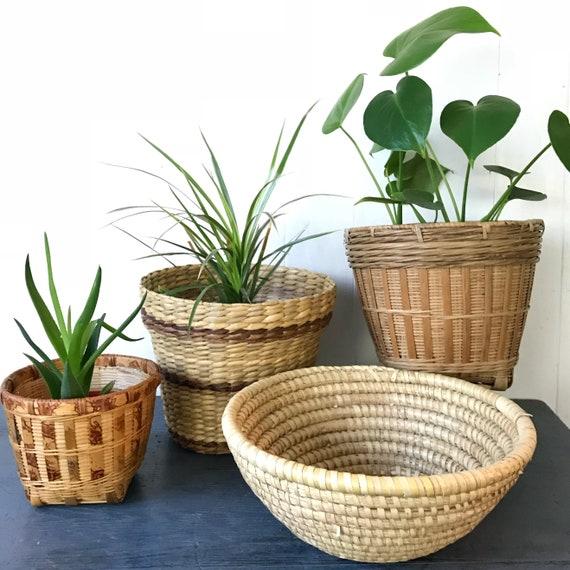 woven straw coil basket - round bowl basket - boho planter - fruit bowl - gathering basket