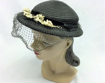 40s 50s Vintage Black Synthetic Straw Hat with White Flowers and Veil