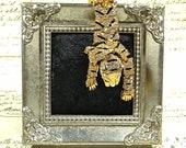 Vintage gold toned rhinestone leopard animal shoulder brooch pin brooch black enamel inserts