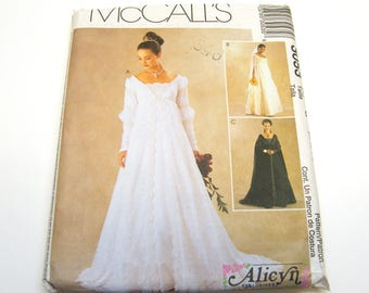 McCall's 3035 Sew Pattern Alicyn Wedding Bride Bridal Empire Gown Size G (20-22-24) Uncut