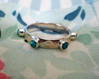 RING  - HAMMERED  - Blue - Green - Fire Opals  - Eternity BAND -  - 925 - Sterling Silver - Size 7  opal489