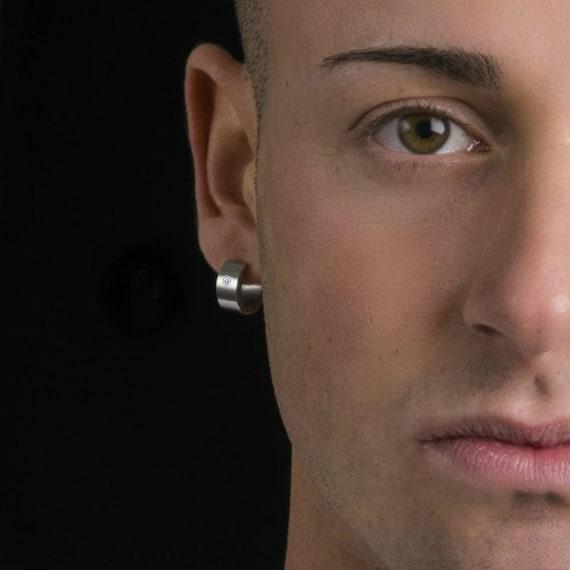 men 39 s thick hoop earrings diamond hoop earrings. Black Bedroom Furniture Sets. Home Design Ideas