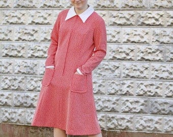 "Vintage tweed shift ""Christmas"" dress with wing collar"