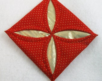 Red  and Gold Cathedral Window Quilted Christmas Ornament 201