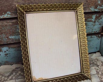 Vintage metal Picture Frame Ornate Mid Century Ormolu Filigree Metal Antique Gold Metal Photo Frame Wide Baroque Frame Brass medallion