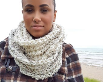 Infinity Scarf Knitted Tweed Scarf Chunky Knit Scarf Hand Knit Infinity Scarfs Loop Scarf Fall Fashion Women Back to School Accessories
