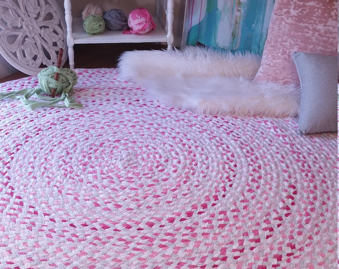 "60""pink and gray braided rug, with white  blend of color shabby chic style"