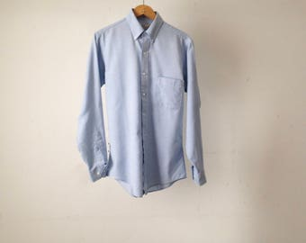 light blue CHAMBRAY 90s classic soft THIN long sleeve button up shirt