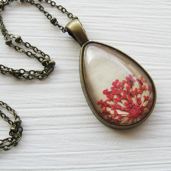 Real Pressed Flower Necklace - Pink Queen Anne's Lace Botanical Teardrop Necklace - Antique Brass