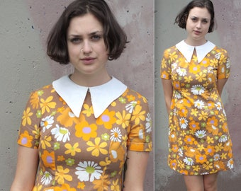 Vintage 1960's Dress // 60s Mini Mod Yellow Floral Print Cotton Linen Summer Babydoll Dress with Large White Collar