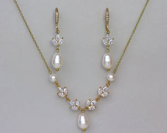 Gold Bridal Jewelry Set, Earrings & Necklace Set, Gold Jewelry set, Gold Pearl and Crystal Set Gold Bridal Set,  HAYLEY G