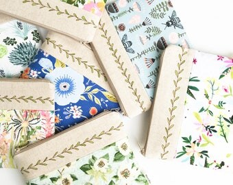 Floral Wedding Pouch, Zipper Pouch, Floral Pencil Case, Flower Bag, Floral Cosmetic Bag, Women Best Friend Gift for Her, Sister Accessories