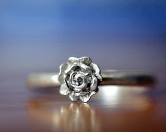 Silver Rose Ring, Handmade Sterling Silver Flower Ring, Customized Promise Ring, Personalized Girlfriend Gift for Her, Rose Stacking Jewelry