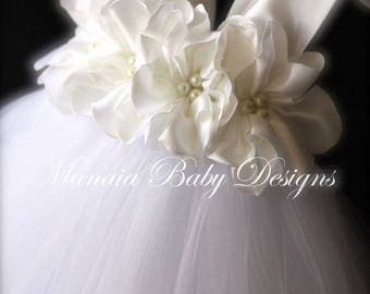 Flower Girl Dress / White Flower Girl Dress / White Baptism Dress / White Christening Dress / White Tutu Dress